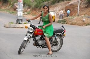 Bindu Madhavi latest Hot Photos