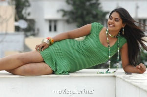 Hot Bindu Madhavi Photos