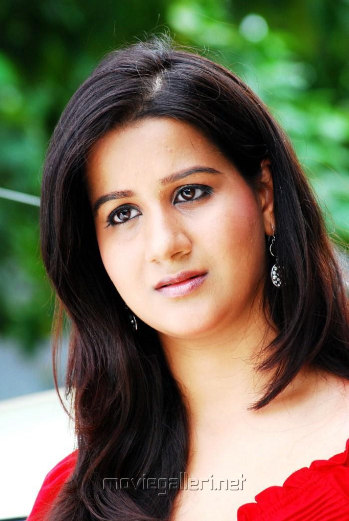 radhika chaudhari hot photos
