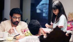JD Chakravarthy, Alayana Sharma in Boochi Telugu Movie Stills
