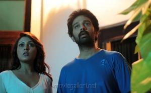 Madhu Shalini, JD Chakravarthy in Boochi Telugu Movie Photos