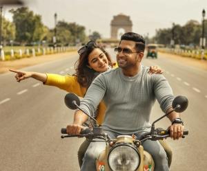 Actress Stefy Patel, Arun Vijay in Border Movie HD Images