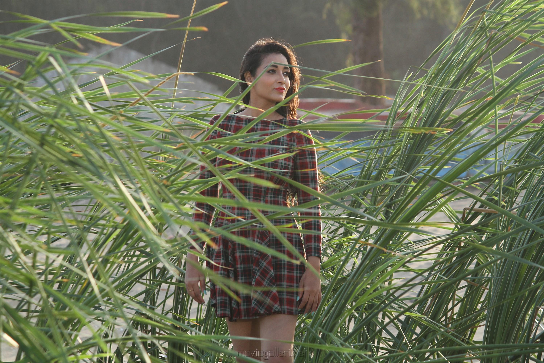Breaking News Movie Heroine Bhanu Sree Photos