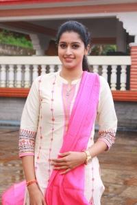 Actress Dhanya @ Brindhavanam Movie Poojai Stills