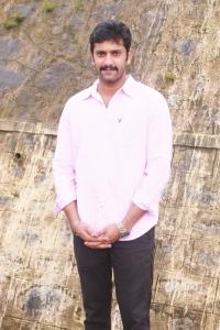 Actor Arulnidhi @ Brindhavanam Movie Poojai Stills