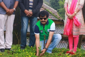 Vivek @ Brindhavanam Movie Poojai Stills