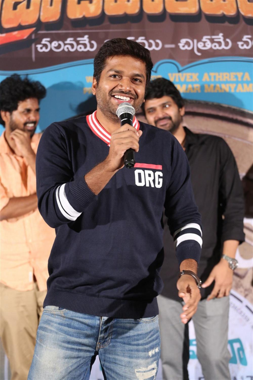 Anil Ravipudi @ Brochevarevarura Movie Teaser Launch Stills