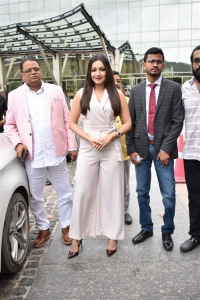 Actress Catherine Teresa flagged off Limousine Cabs Hyderabad