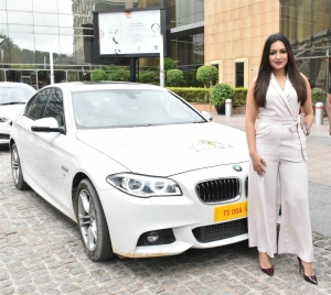 Actress Catherine Teresa flagged off Limousine Cabs @ Hyderabad Photos