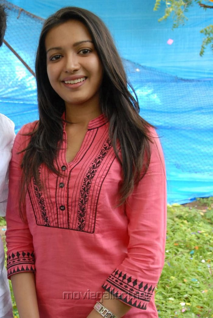 Paisa Movie Photos Paisa Movie Heroine Catherine
