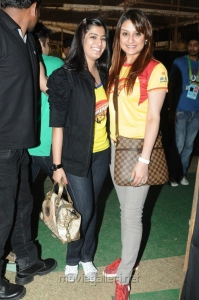 Varalaxmi Sarathkumar, Sonia Agarwal at CCL 3 Chennai Rhinos Vs Karnataka Bulldozers Match Photos