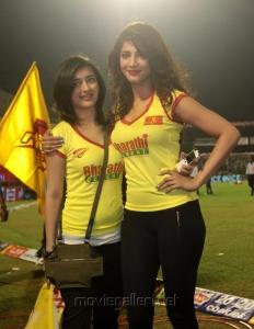 Akshara, Shruti Hassan at CCL 3 Chennai Rhinos Vs Karnataka Bulldozers Match Photos