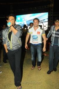 Sunil Shetty at CCL 3 Telugu Warriors Vs Mumbai Heroes Match Photos