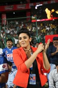Ragini Dwivedi @ CCL 4 Chennai Rhinos Vs Karnataka Bulldozers Match Photos