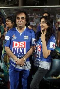 Ashok Kheny @ CCL 4 Karnataka Bulldozers vs Bengal Tigers Match Photos