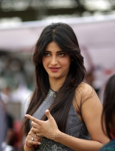 Actress Shruti Hassan @ CCL 4 Veer Marathi Vs Mumbai Heroes Match Photos