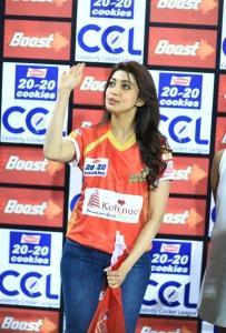Pranitha Subhash @ CCL 6 Telugu Warriors vs Karnataka Bulldozers Match Stills