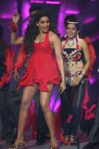 Bipasha Basu Hot Dance at CCL Season 3 Curtain Raiser Photos