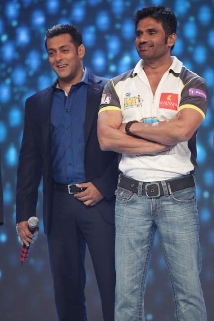 Salman Khan, Sunil Shetty at CCL Season 3 Curtain Raiser Photos