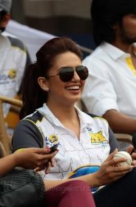 Huma Qureshi @ CCL4 Mumbai Heroes Vs Chennai Rhinos Match Photos