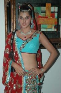 Actress Tapasee Pannu at NEFERTARI Fashion show stills