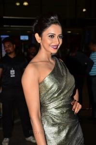 Actress Rakul Preet Singh @ 64th Filmfare Awards South 2017 Red Carpet Photos