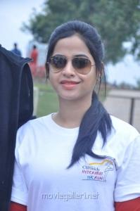 Swathi Deekshith @ Hyderabad 10K Run Photos