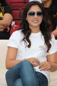 Madhu Shalini @ Hyderabad 10K Run Photos