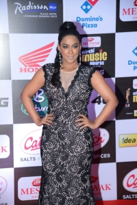 Actress Mumaith Khan @ Mirchi Music Awards South 2015 Red Carpet Photos