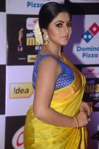 Actress Poorna @ Mirchi Music Awards South 2015 Red Carpet Photos