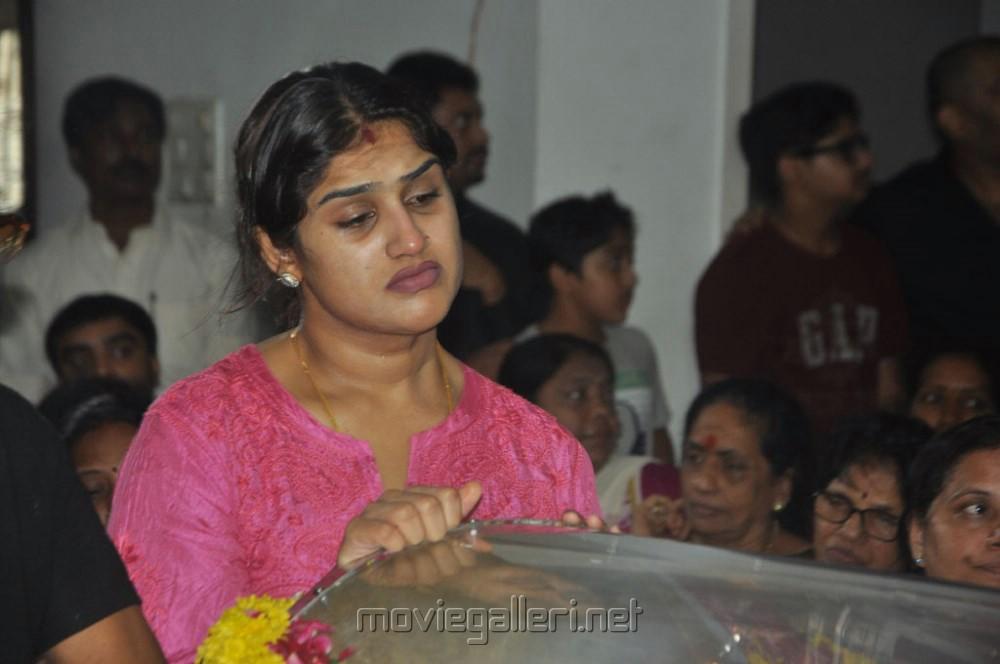Picture 520552 | Vanitha Vijayakumar Pay Last Respects to ...