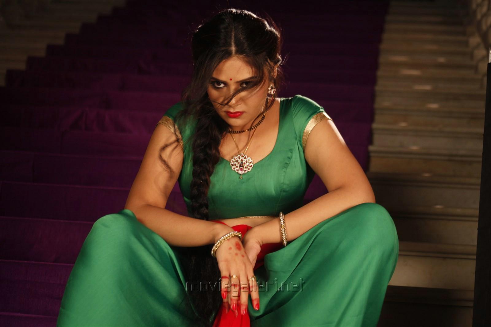 Chandrika serial actress : White chicks movie bathroom