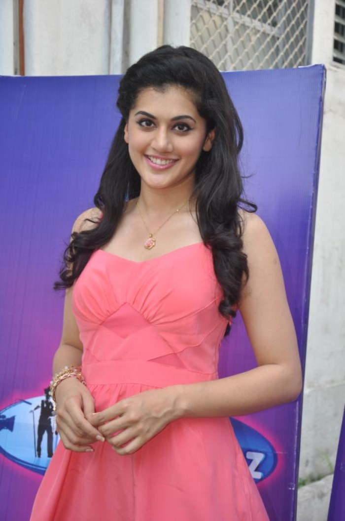 Picture 443561 | Chashme Baddoor Actress Tapsee Pannu in Pink ...