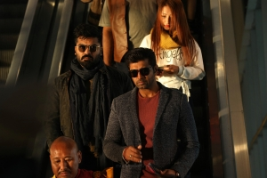 Simbu, Arun Vijay in Chekka Chivantha Vaanam Movie Images HD