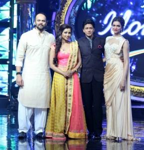 Rohit Shetty, Shreya Ghoshal, Shahrukh Khan, Deepika Padukone