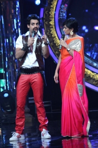 Karan Wahi, Mandira Bedi @ Indian Idol Juniors