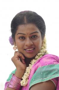 Actress Kamali in Chennai Pakkathula Movie Stills