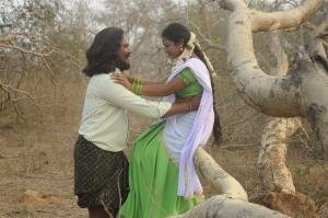 Seenu, Kamali in Chennai Pakkathula Movie Stills