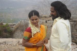 Kamali, Seenu in Chennai Pakkathula Movie Stills