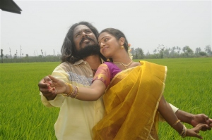 Seenu, Kamali in Chennai Pakkathula Tamil Movie Stills