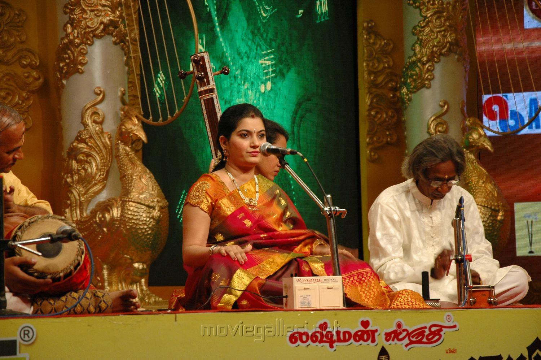 Displaying images for shobana dance - Bharatanatyam Shobana Viewing Gallery