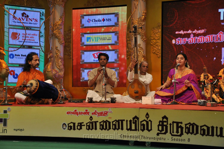 - chennaiyil_thiruvaiyaru_2012_23rd_dec_singer_saashwathi_prabhu_photos_4b34dcf
