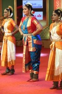 Meenakshi Raghavan Bharatanatyam @ Chennaiyil Thiruvaiyaru 2016 Day 7 Photos