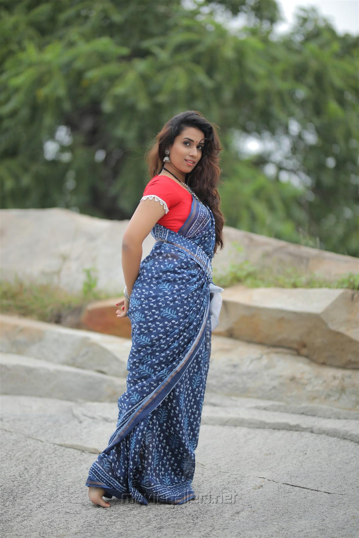 Actress Chetana Uttej Saree Hot Photo Shoot HD Stills