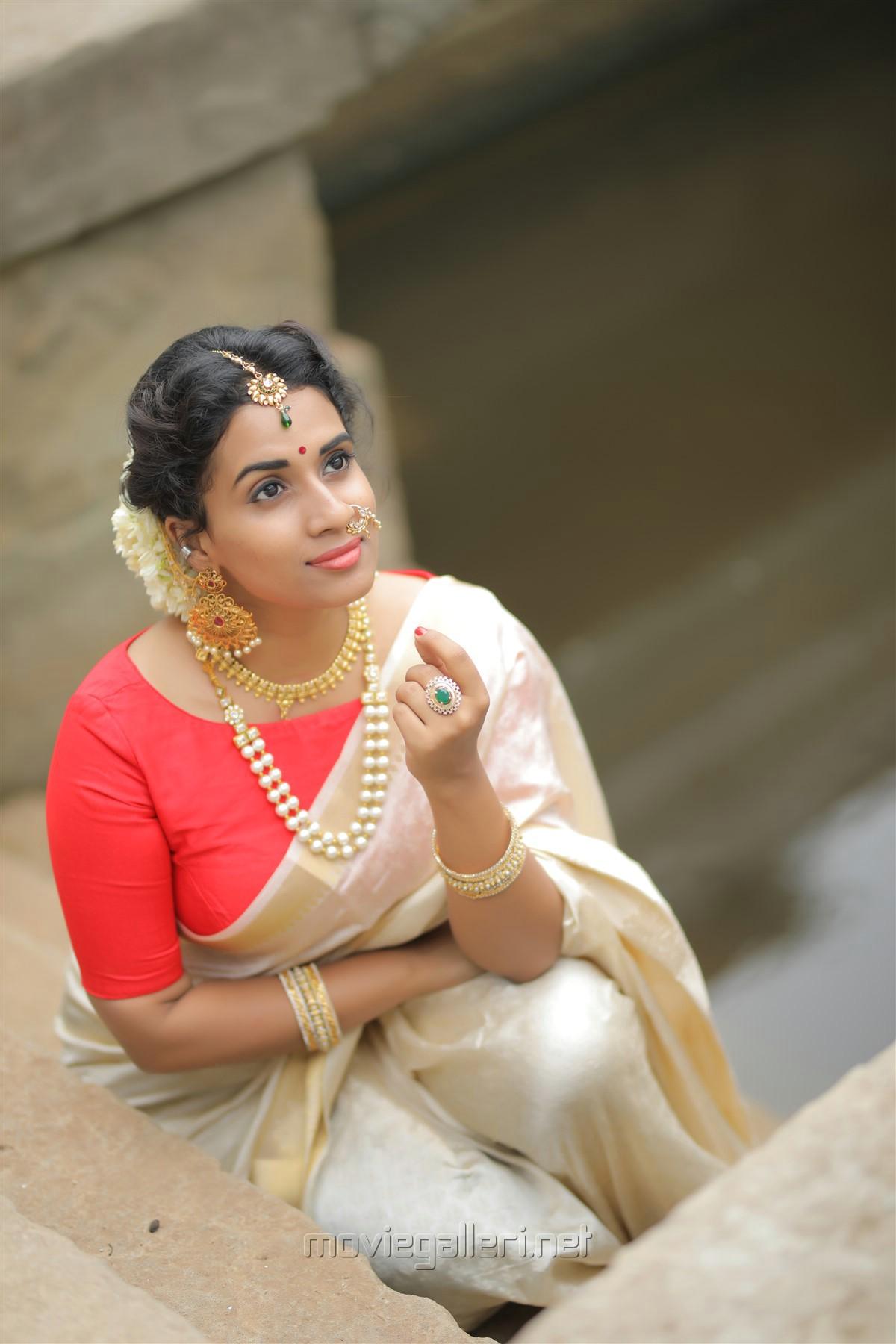 Actress Chetana Uttej Saree Photo Shoot HD Stills