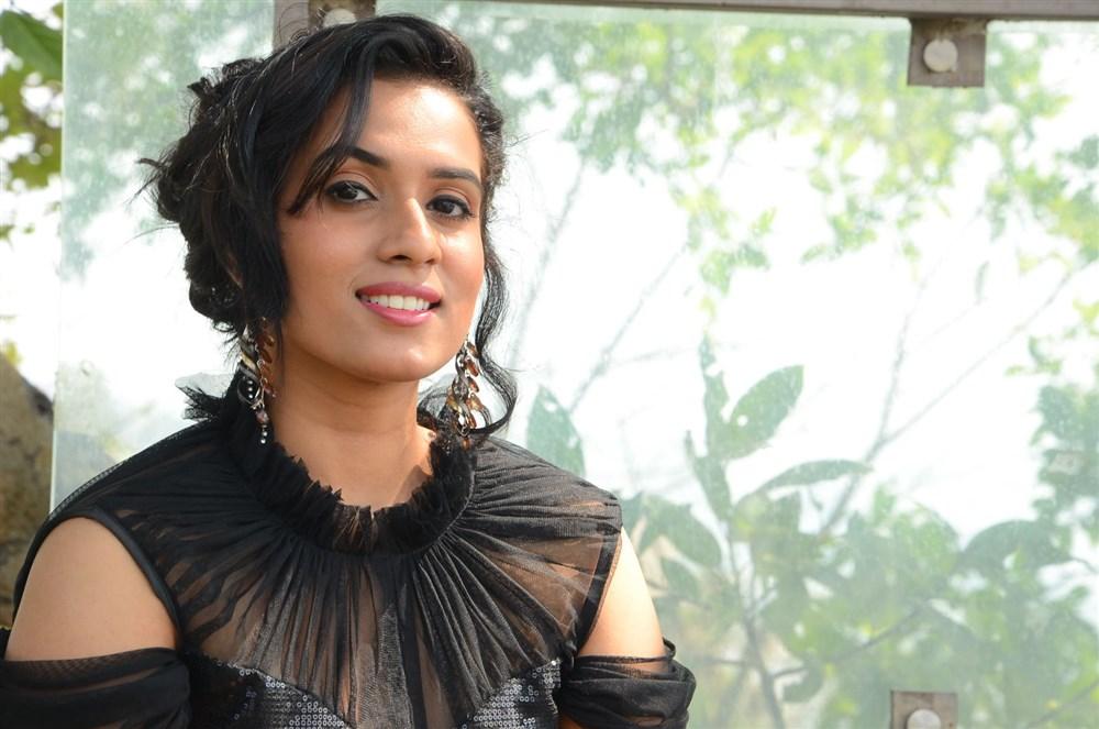 Pichiga Nachav Actress Chetana Uttej Photos