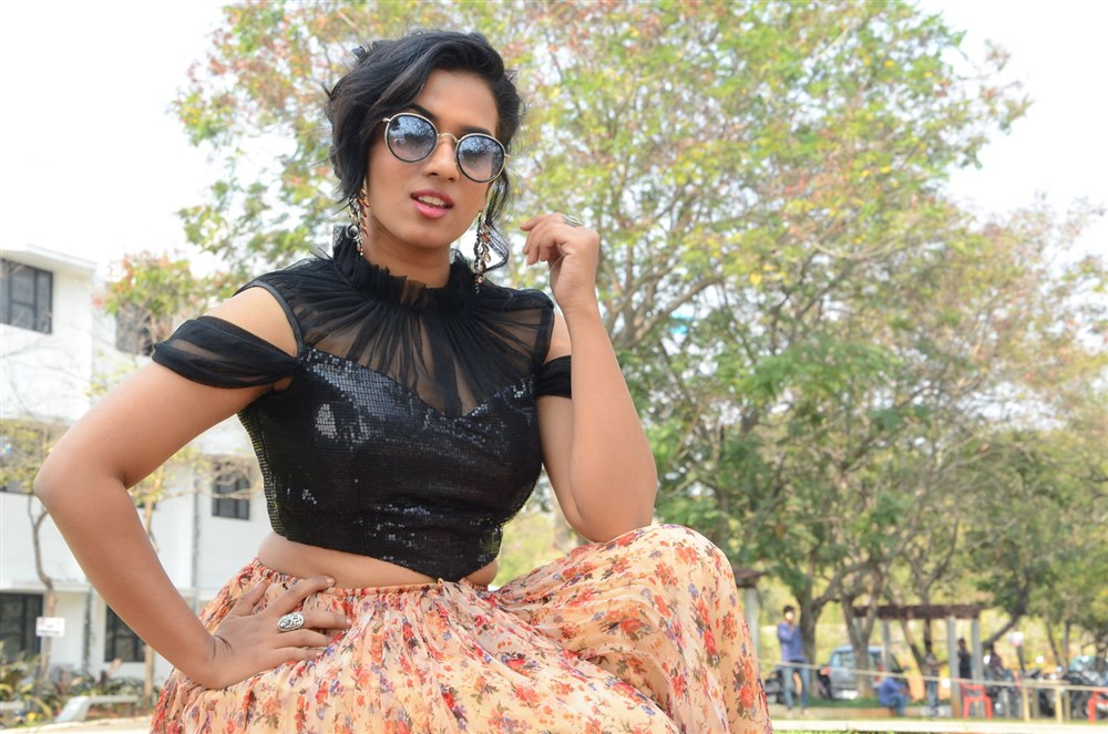 Actress Chetana Uttej Photos @ Pichiga Nachav Press Meet