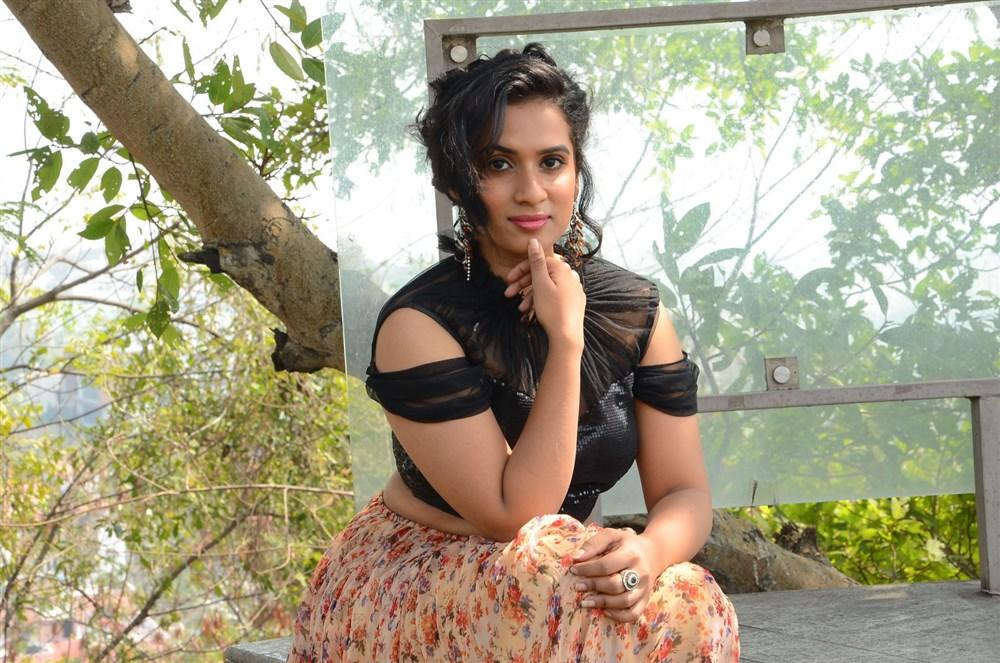 Telugu Actress Chetana Uttej Photos
