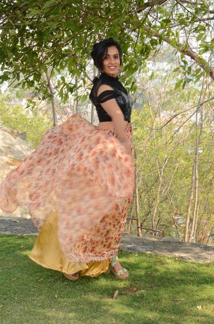 Actress Chetana Uttej Photos @ Pichiga Nachav Press Meet