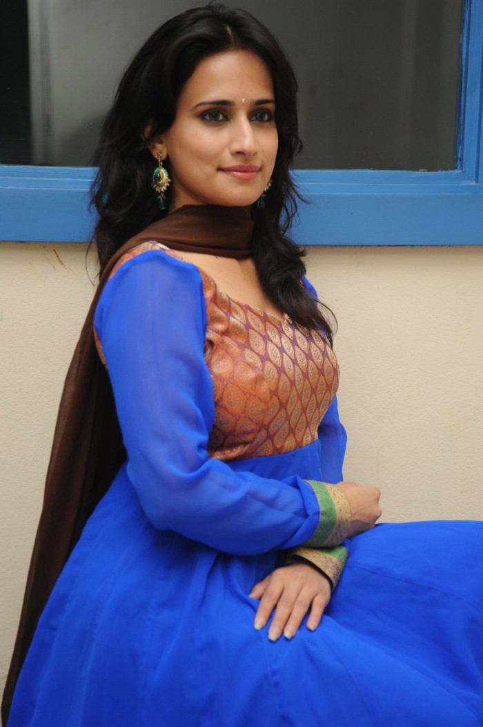 Telugu Actress Chinmayi Ghatrazu Latest Cute Images